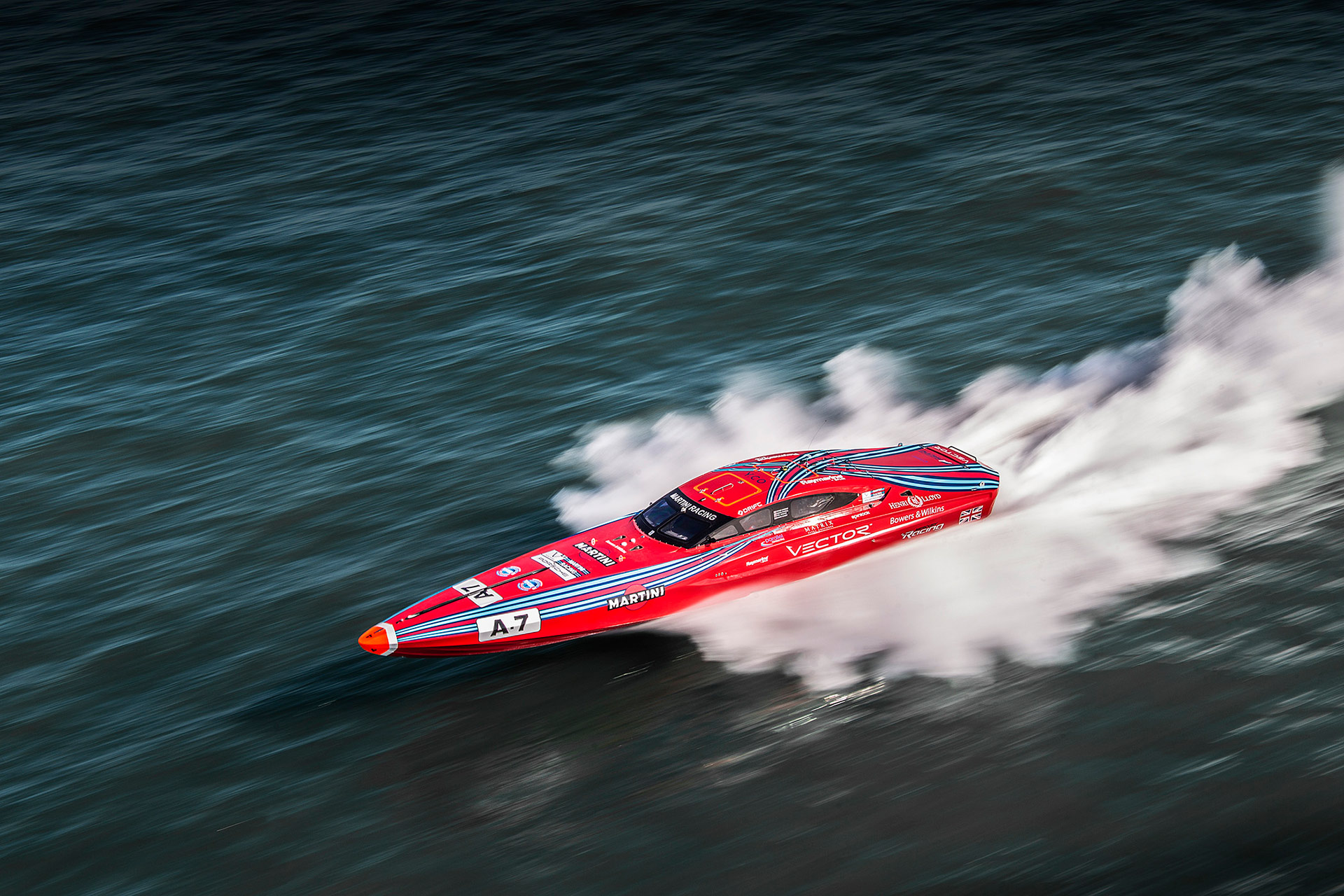 VECTOR WINS HISTORIC COWES CLASSIC 2015